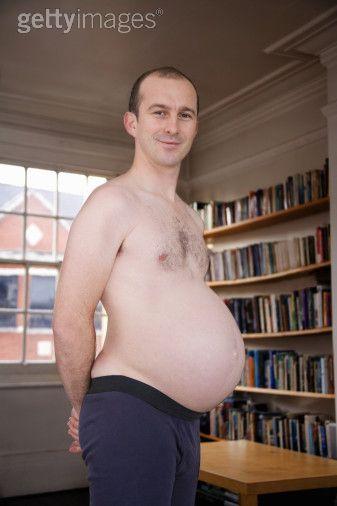 Mon homme est beaucoup plus beau que ça, mais c'est la seule photo d'homme enceint sur le web